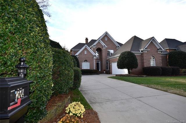 7604 Windaliere Drive, Cornelius, NC 28031 (#3455000) :: Exit Mountain Realty