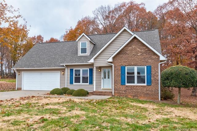 137 Stonefield Drive, Statesville, NC 28677 (#3455105) :: Exit Mountain Realty