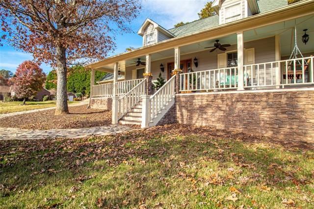 3635 Wandering Lane NE, Hickory, NC 28601 (MLS #3455315) :: RE/MAX Impact Realty
