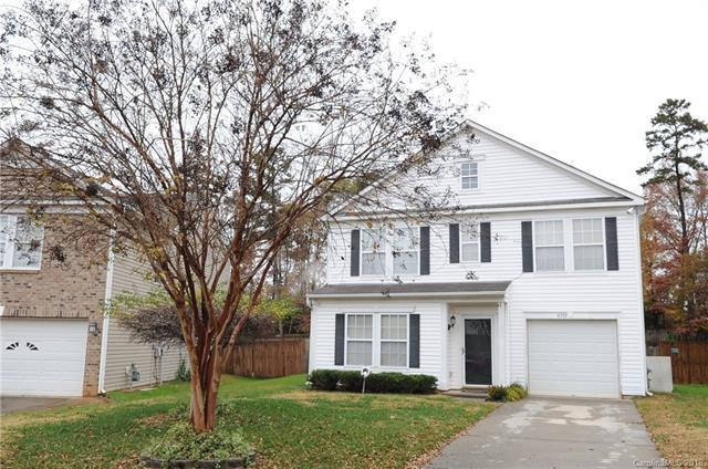 6333 Foster Brook Drive, Charlotte, NC 28216 (#3455527) :: Carlyle Properties