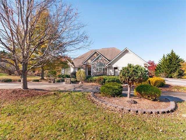 77 Cummings Cove Parkway, Hendersonville, NC 28739 (#3455553) :: Rinehart Realty