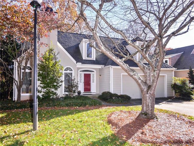 6501 Scarlet Oak Lane, Charlotte, NC 28226 (#3455659) :: Exit Mountain Realty