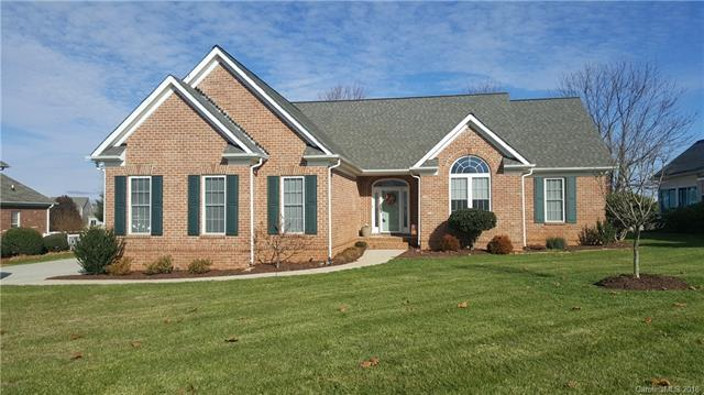 137 Fox Den Circle, Statesville, NC 28677 (#3455820) :: Exit Mountain Realty