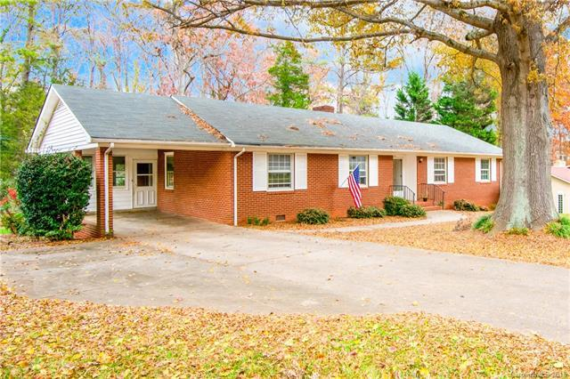 127 Meadowbrook Lane, Davidson, NC 28036 (#3456182) :: The Temple Team