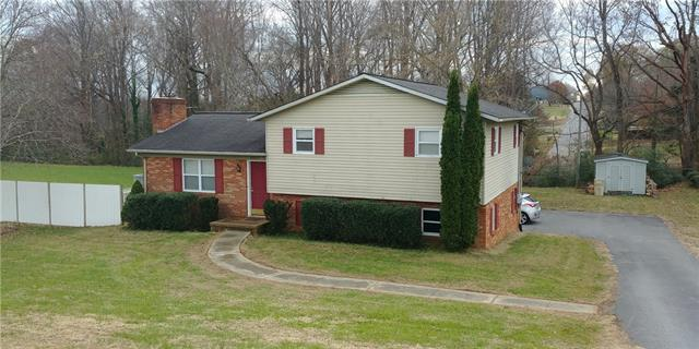4882 River Bend Road, Claremont, NC 28610 (#3456185) :: Exit Mountain Realty