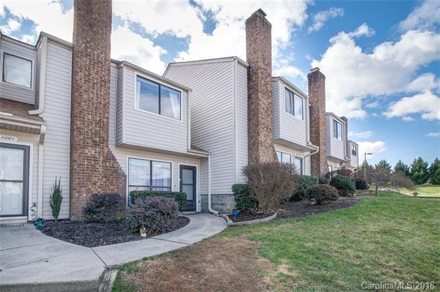 11035 Carmel Crossing Road, Charlotte, NC 28226 (#3456205) :: The Ramsey Group