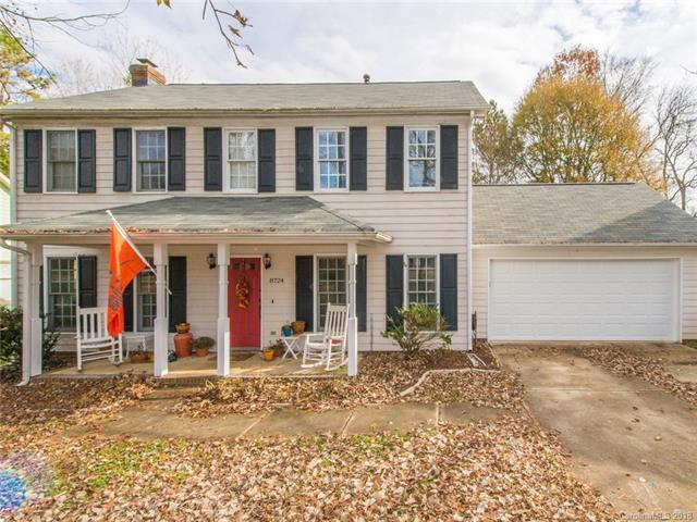 8724 Canter Post Road, Charlotte, NC 28216 (#3456315) :: Exit Mountain Realty