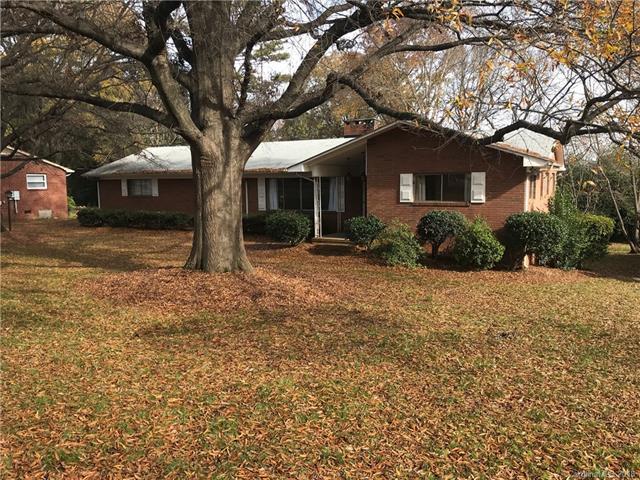 2516 Newland Road, Charlotte, NC 28216 (#3456665) :: MECA Realty, LLC