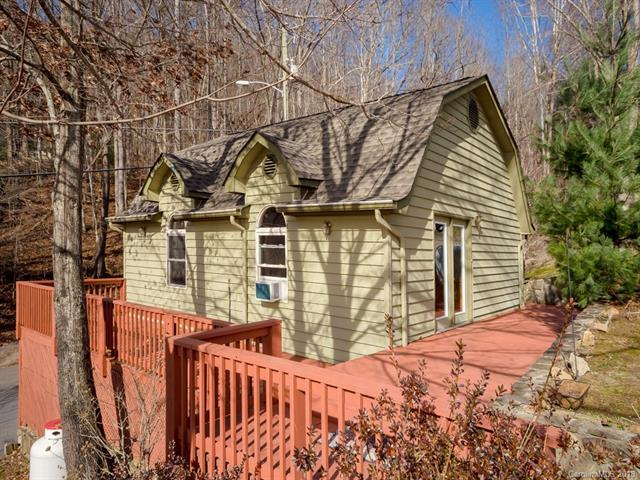 146 Riddle Cove Road, Maggie Valley, NC 28751 (#3457110) :: Rinehart Realty