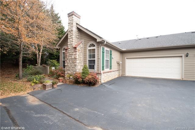 17 Outlook Circle, Swannanoa, NC 28778 (#3457226) :: Exit Mountain Realty