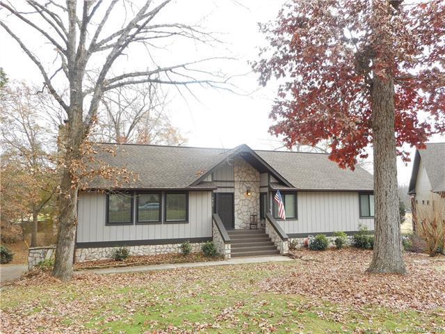 5617 Merrymount Drive, Charlotte, NC 28226 (#3457516) :: MartinGroup Properties