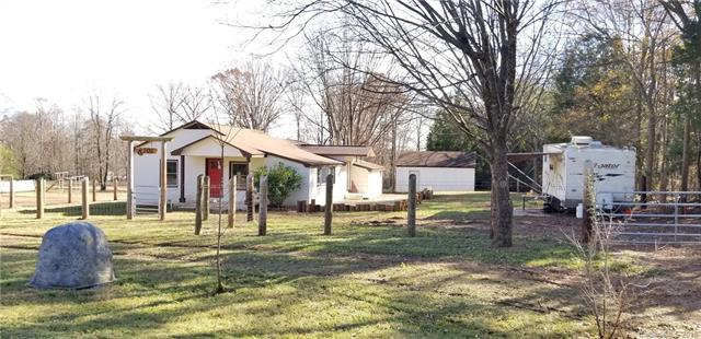 8101 Laine Road, Charlotte, NC 28214 (#3457823) :: The Elite Group