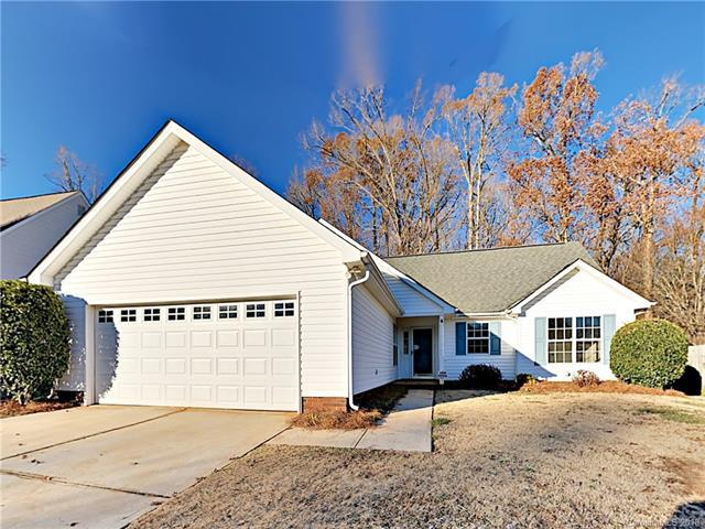 11818 Golden Maple Lane, Charlotte, NC 28215 (#3458185) :: Roby Realty