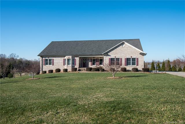 2673 Carriage Lane, Lincolnton, NC 28092 (#3458205) :: Cloninger Properties