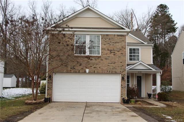 6734 Wandering Creek Drive, Charlotte, NC 28216 (#3458494) :: Carlyle Properties
