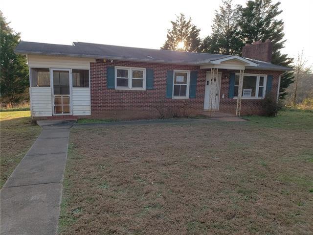 5919 Sandbar Road, Granite Falls, NC 28630 (#3458785) :: Homes Charlotte