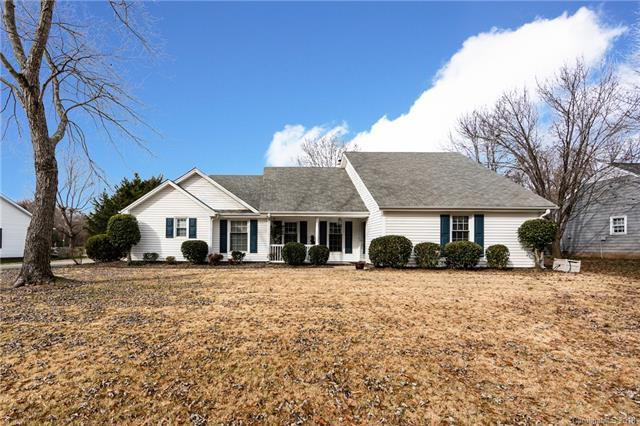 7128 Sythe Court, Charlotte, NC 28226 (#3458849) :: Caulder Realty and Land Co.