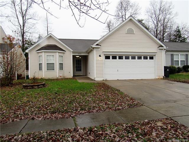 6108 Raisin Tree Lane, Charlotte, NC 28215 (#3459040) :: Washburn Real Estate