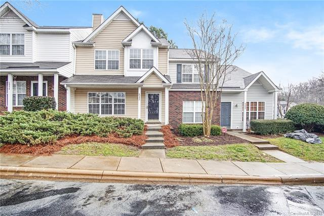 6082 Cougar Lane, Charlotte, NC 28269 (#3459117) :: MartinGroup Properties