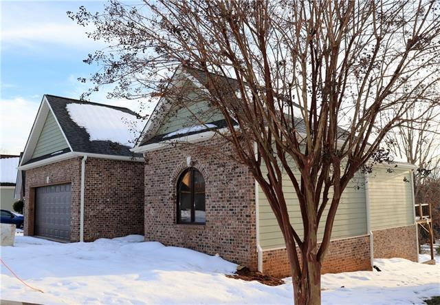 116 Hill Street, Granite Falls, NC 28630 (#3459274) :: High Performance Real Estate Advisors