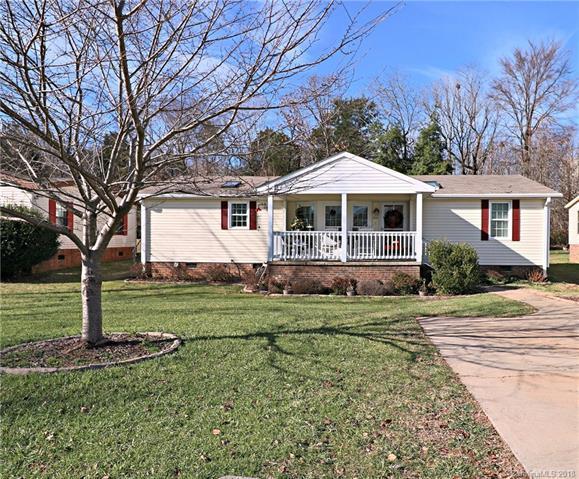 8332 New Sheldon Drive, Charlotte, NC 28214 (#3459381) :: MartinGroup Properties