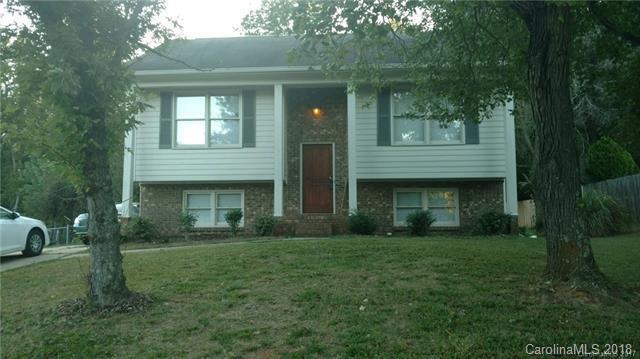 5137 Poplar Springs Drive #25, Charlotte, NC 28269 (#3459585) :: MartinGroup Properties