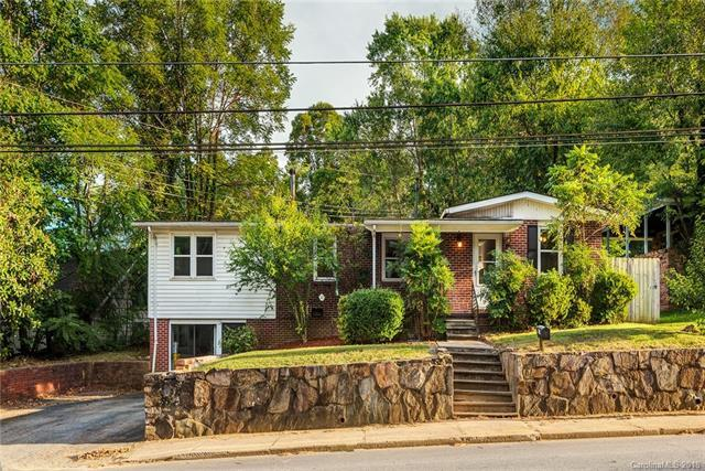 600 Hebron Road, Hendersonville, NC 28739 (#3459684) :: Caulder Realty and Land Co.