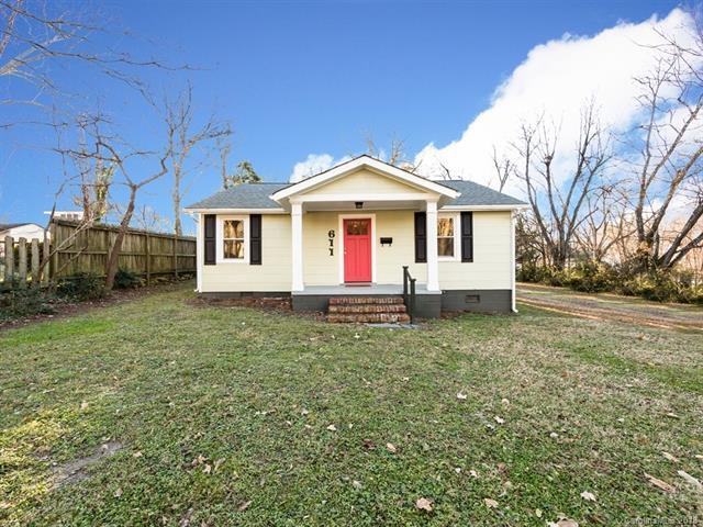 611 Sherrill Avenue, Lincolnton, NC 28092 (#3459749) :: Exit Mountain Realty