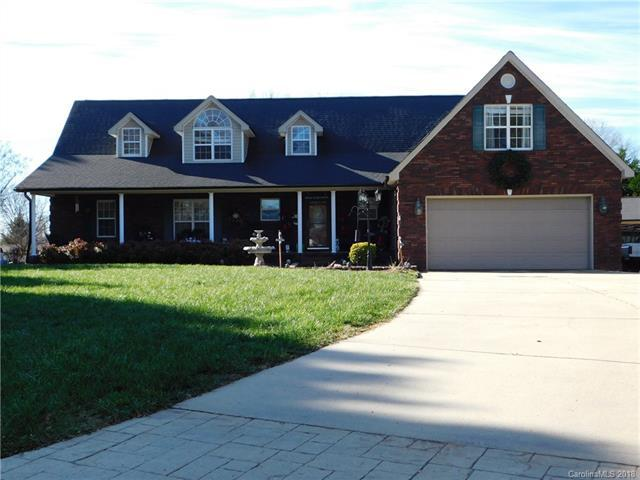 2468 Twelve Oaks Road, Concord, NC 28025 (#3459981) :: Exit Mountain Realty