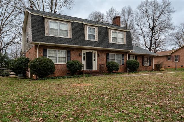 1185 18th Avenue NE, Hickory, NC 28601 (#3460497) :: Carlyle Properties