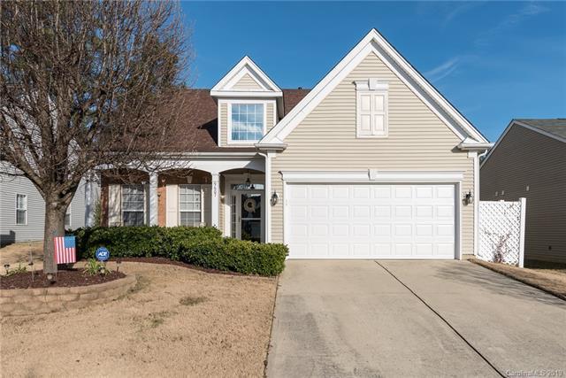 9607 Kestral Ridge Drive, Charlotte, NC 28269 (#3460693) :: MartinGroup Properties