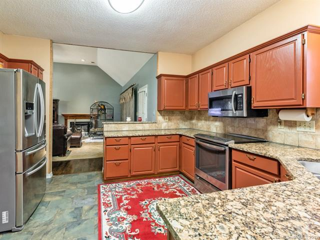 5236 Cressingham Court, Charlotte, NC 28227 (#3460742) :: Exit Mountain Realty