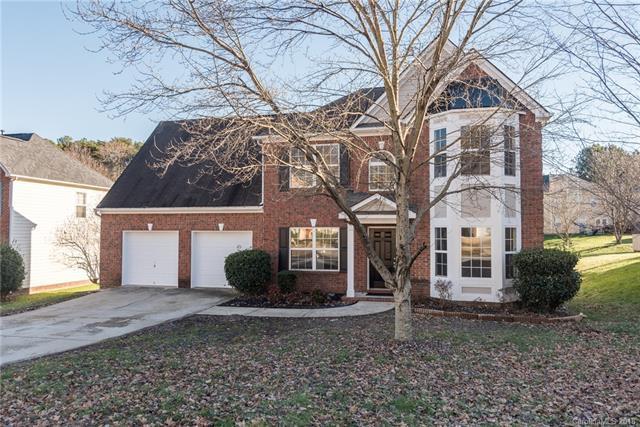11918 Fox Glen Road, Charlotte, NC 28269 (#3460821) :: MartinGroup Properties
