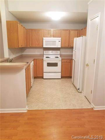 6233 Linda Vista Lane, Charlotte, NC 28216 (#3461144) :: Exit Mountain Realty