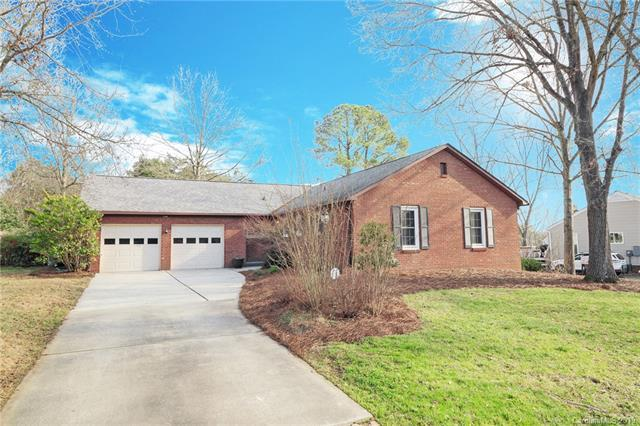 11301 Five Cedars Road, Charlotte, NC 28226 (#3462059) :: Exit Mountain Realty