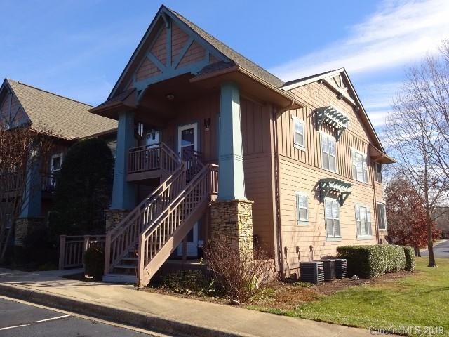2705 Deermouse Way, Hendersonville, NC 28792 (#3462687) :: Roby Realty