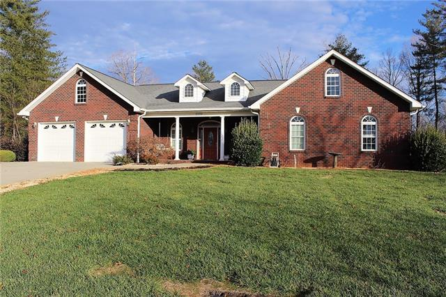 2026 Tall Oak Drive, Lenoir, NC 28645 (#3463029) :: Exit Mountain Realty