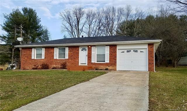 105 Willowbrook Road, Hendersonville, NC 28792 (#3463105) :: Exit Mountain Realty