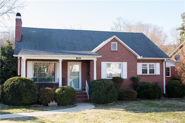 268 Broad Street, Marion, NC 28752 (#3463514) :: LePage Johnson Realty Group, LLC