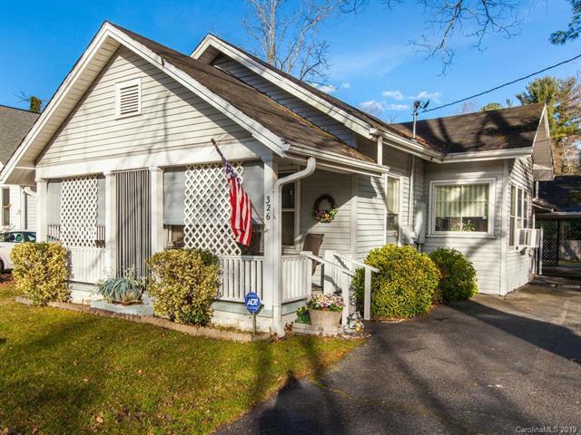 326 Spring Street, Hendersonville, NC 28739 (#3463553) :: Puffer Properties