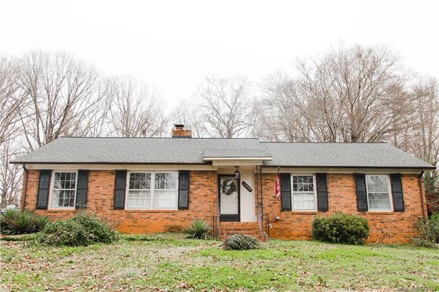 11233 Gladewater Drive, Matthews, NC 28105 (#3463591) :: Exit Mountain Realty