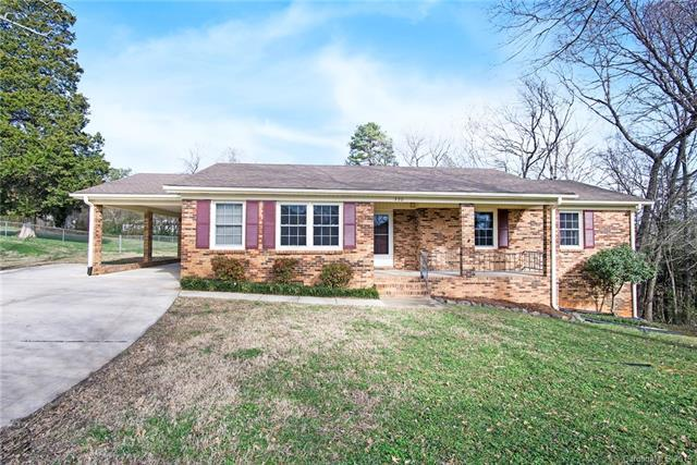 320 Woodstream Drive, Gastonia, NC 28056 (#3463831) :: Exit Mountain Realty