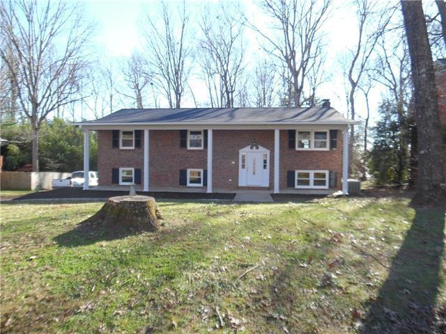 1220 NE 18th Avenue NE, Hickory, NC 28601 (#3463871) :: Carlyle Properties