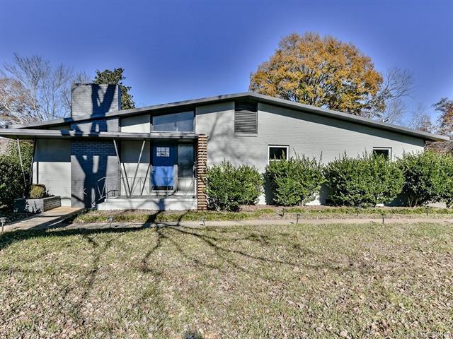 1711 Tyvola Road, Charlotte, NC 28211 (#3463879) :: MartinGroup Properties