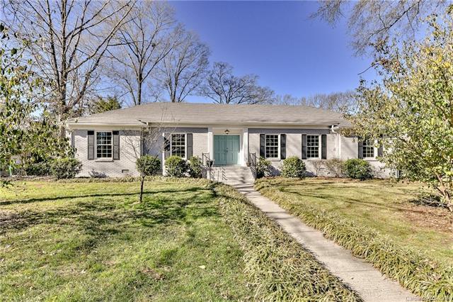 7000 Knightswood Drive, Charlotte, NC 28226 (#3464258) :: Rinehart Realty