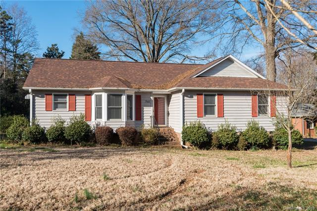7611 Michael Drive, Charlotte, NC 28215 (#3464328) :: Exit Mountain Realty
