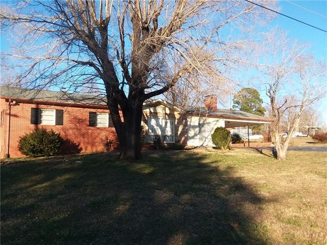 1696 Oakmont Drive - Photo 1