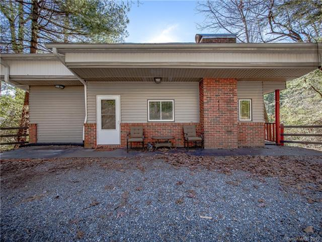 472 Esseola Drive, Saluda, NC 28773 (MLS #3464342) :: RE/MAX Journey
