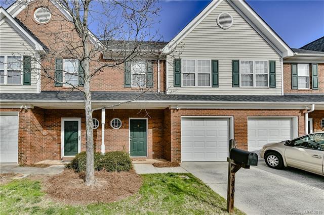 7809 Lennoxshire Lane, Charlotte, NC 28210 (#3464360) :: MartinGroup Properties