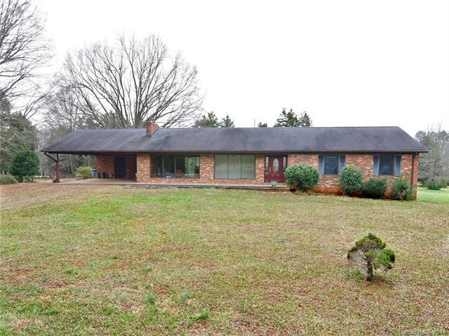 621 Westminster Drive, Statesville, NC 28677 (#3464380) :: MartinGroup Properties